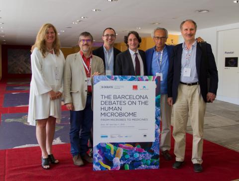 D'esquerra a dreta, Kjersti Aagaard, Albert Barberà, Stuart Turvey, Jordi Portabella, Bonaventura Clotet i Francisco Guarner.