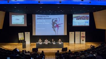 Els experts van pactar la declaració durant el primer dia de debat, mentre que el segon dia va ser obert a tots els públics.